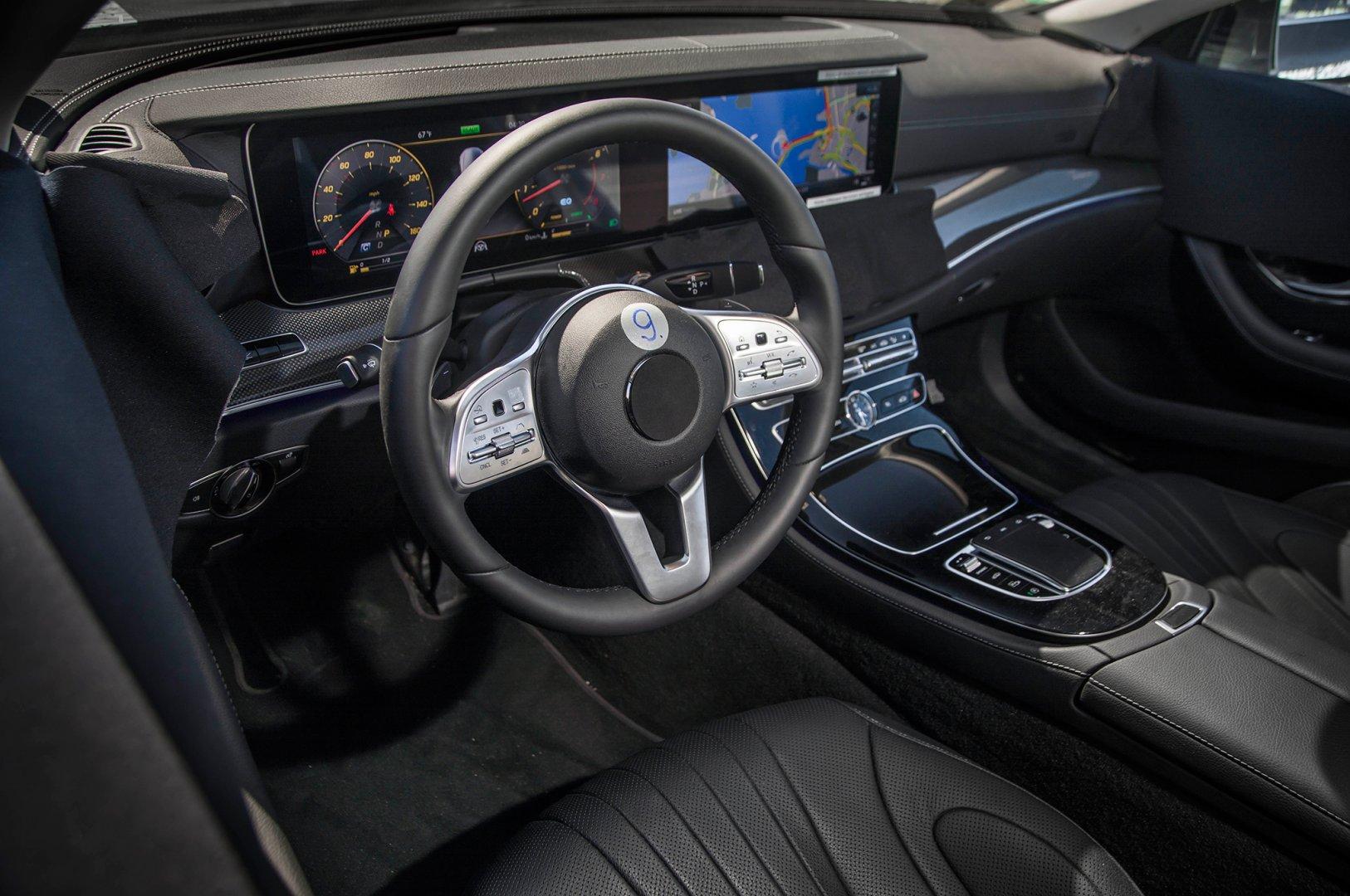 2019-Mercedes-Benz-CLS-Prototype-steering-wheel (1).jpg