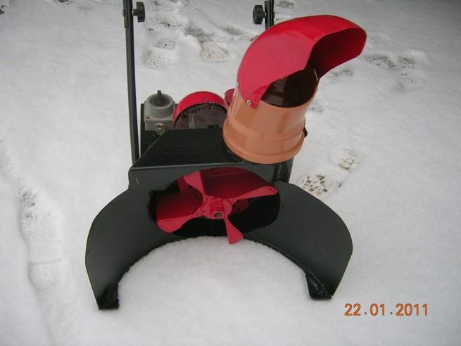 робот снегоуборщик своими руками