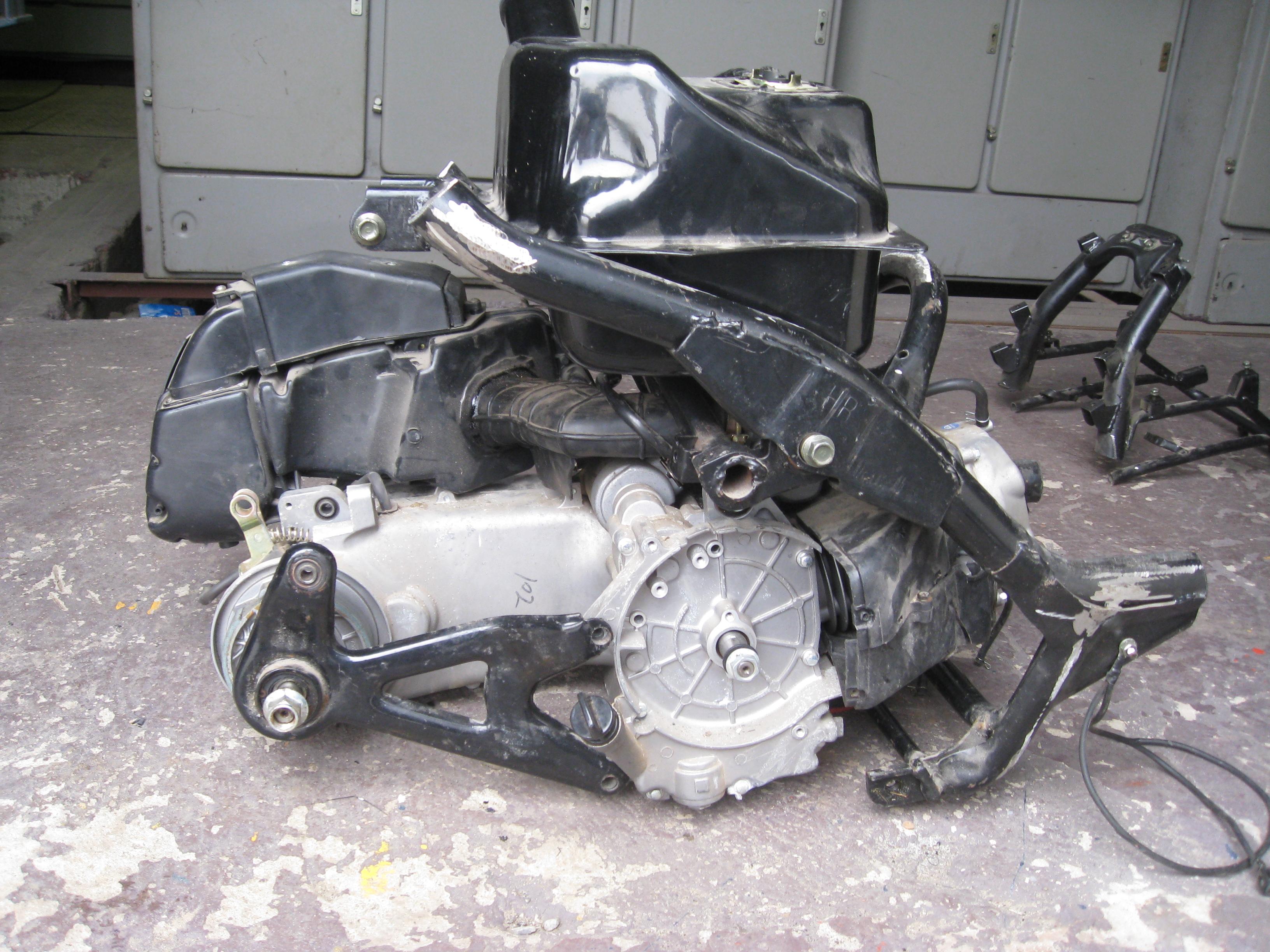 Самодельный с двигателем от мотороллера 30